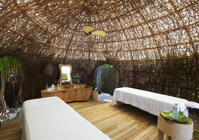 treatment room six senses laaamu