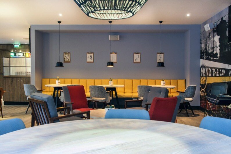 Qbic innovative pod style hotel in london for Cubic hotel london