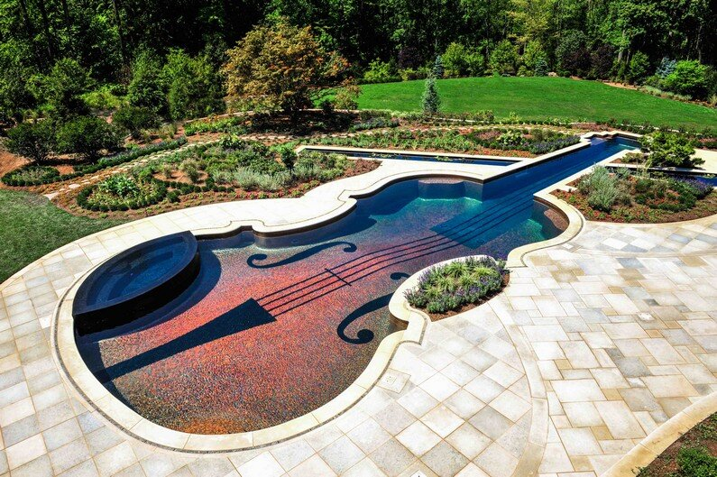 Stradivarius pool, made out of love for the violin (7)