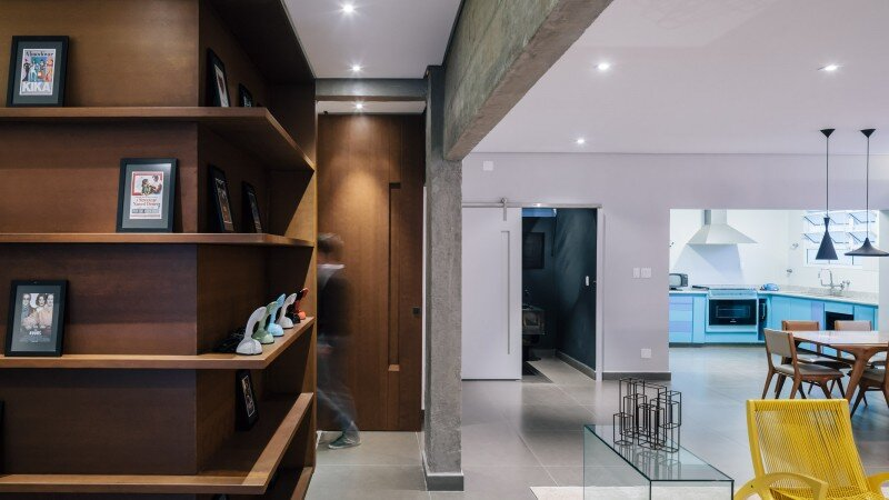 The studio apartment modernized according to the conception of Flavio Castro