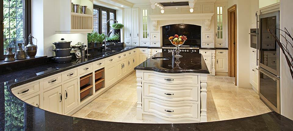 Classical kitchen with modern design integrated in a for Georgian style kitchen designs