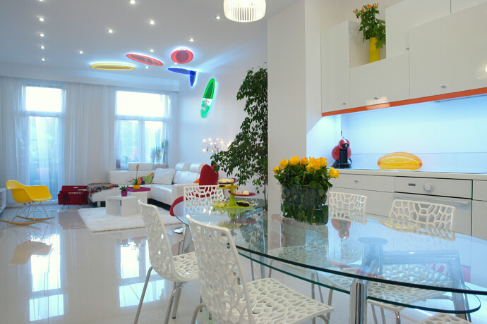 Color and light in a dream apartment from Budapest (2)