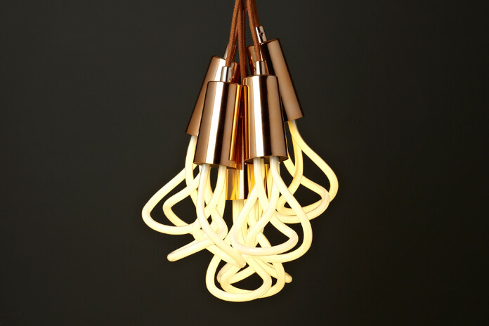 Designer Samuel Wilkinson has chosen to redefine filament bulbs - Plumen (2)