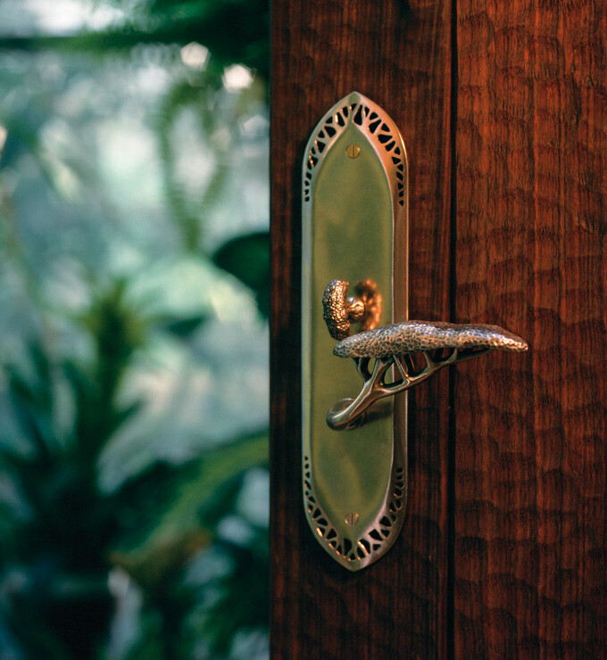 Door handles - attractive decorations by Martin Pierce (5)