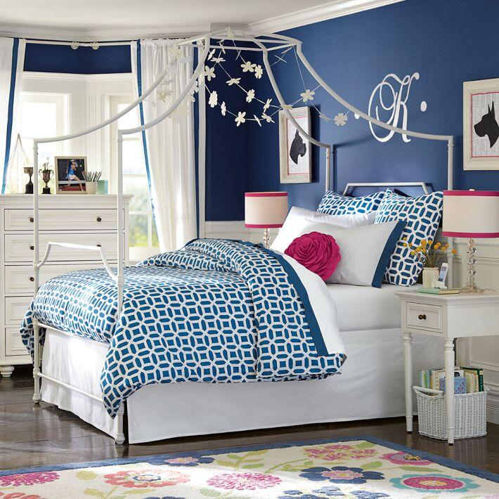 Bedroom ideas - canopy bed with contemporary design PB Teen (4)