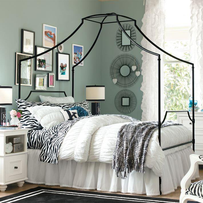 Bedroom ideas - canopy bed with contemporary design PB Teen (6)