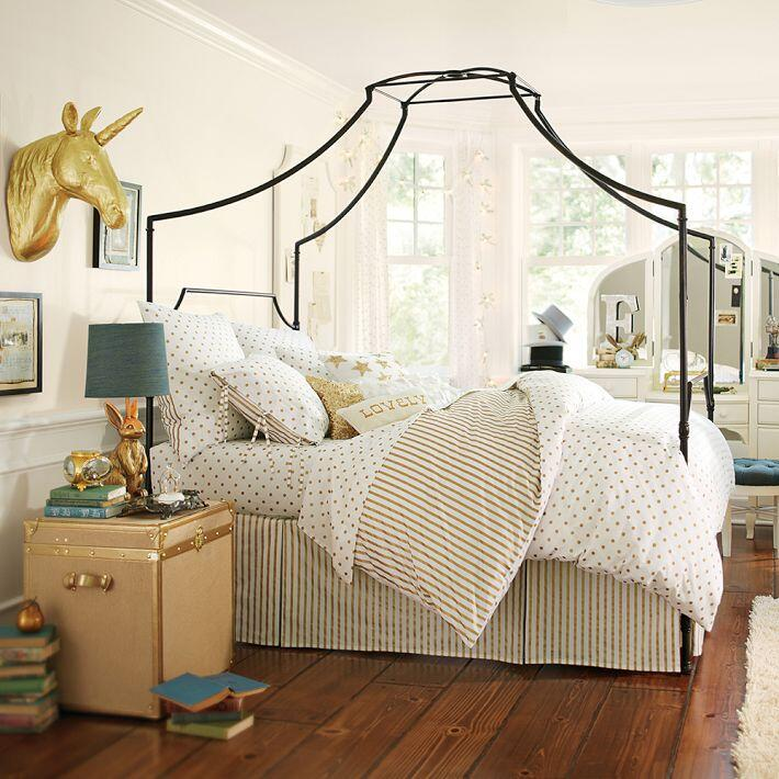 Bedroom ideas - canopy bed with contemporary design PB Teen (9)