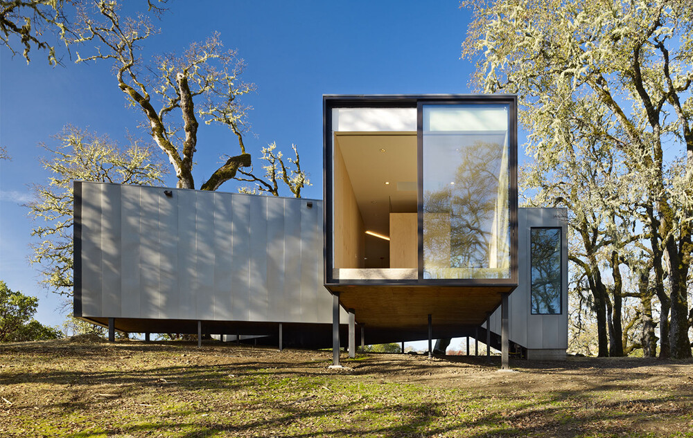Moose Rd House- low cost, durability and environmental protection by Mork Ulnes Architects (7)
