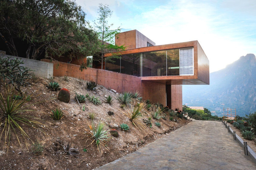 Modern house surrounded by mountains Narigua by P mas Cero arquitectura (1)
