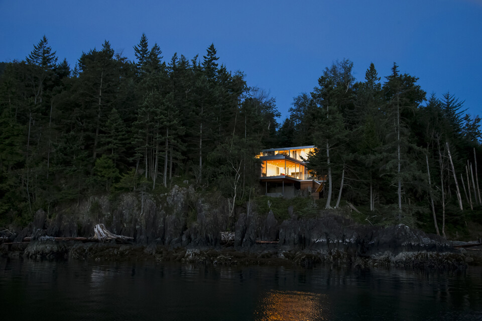 Gambier Island House - where beauty and silence reign  by McFarlane Green Biggar Architects (1)