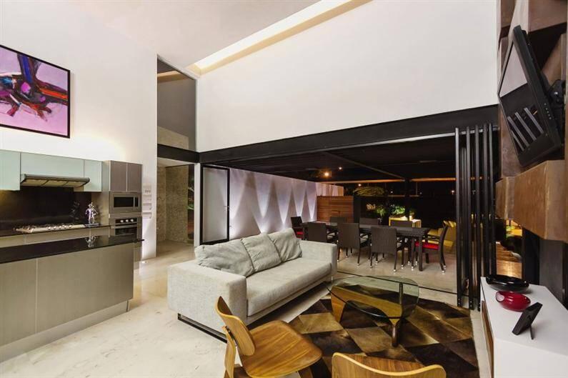 PL2 House by Seijo Peon Arquitectos y Asociados (11) (Custom)