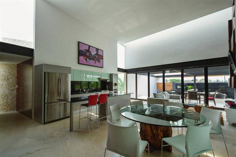 PL2 House by Seijo Peon Arquitectos y Asociados (6) (Custom)