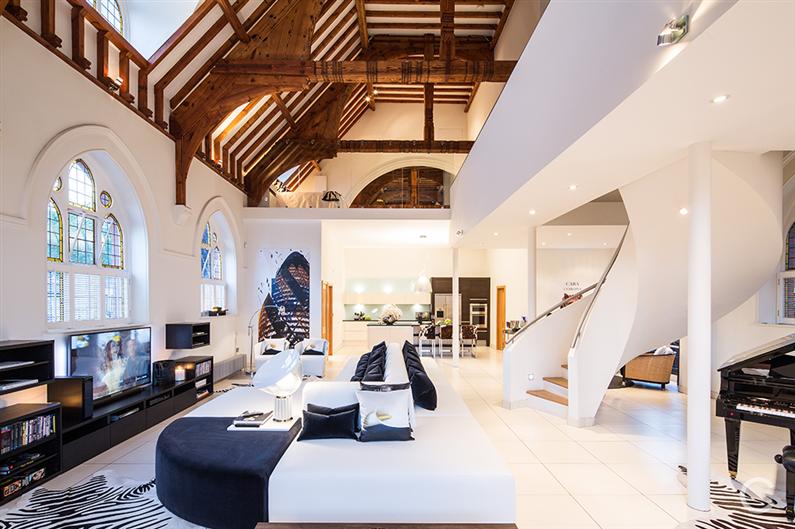 Modern interior design - Gianna Camilotti - www.homeworlddesign.com 5