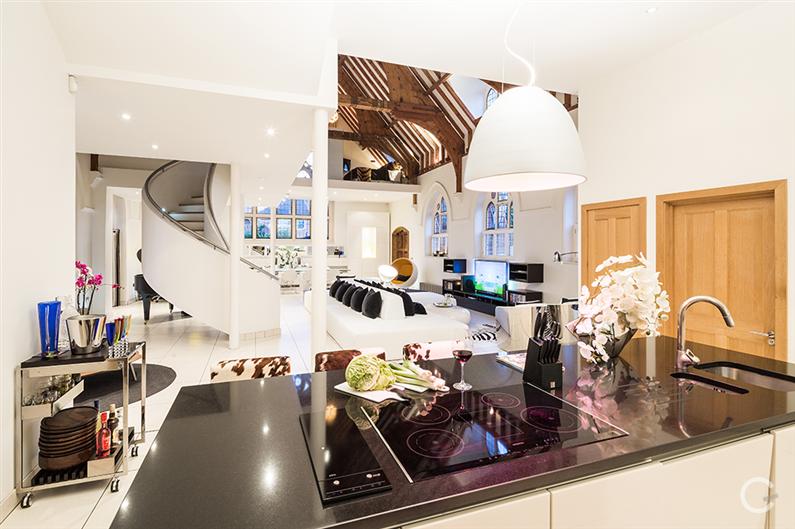 Modern interior design - Gianna Camilotti - www.homeworlddesign.com 3
