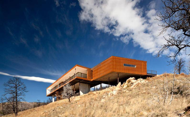 Sunshine Canyon Residence: a piece of eternity and a breathtaking view
