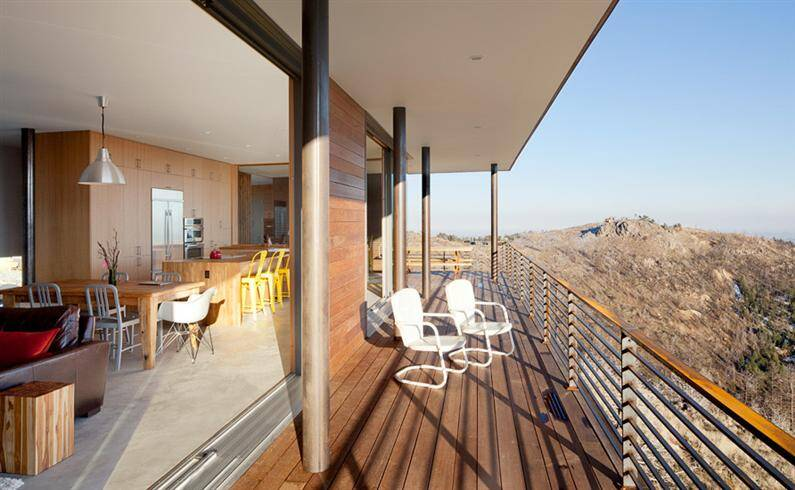 Sunshine Canyon Residence by THA Architecture - www.homeworlddesign.com (3)
