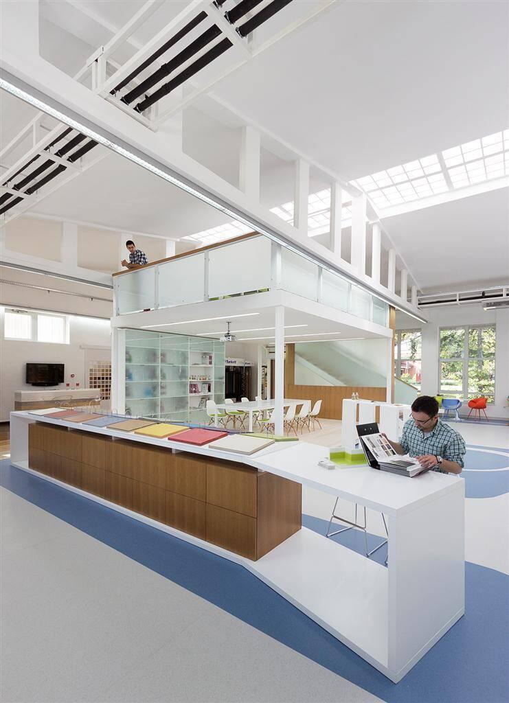 Tarkett Academy by Modelart Arhitekti - www.homeworlddesign.com (13)