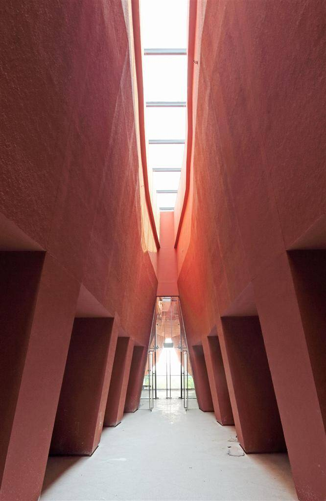 A Revolutionary Building to commemorate the Xin Hai Revolution a Wuhan, China - www.homeworlddesign.com (11)
