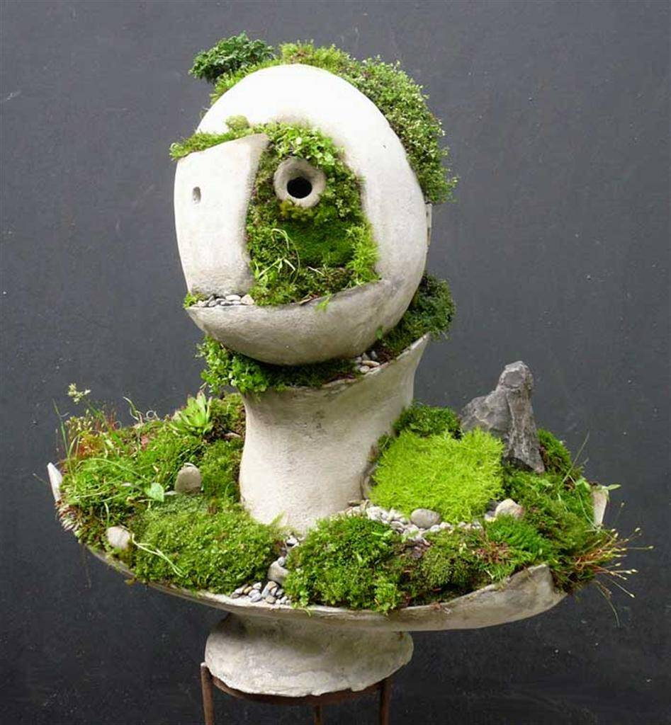 Returning Knight - Extraordinary symbiosis between art and botany - www.homeworlddesign.com