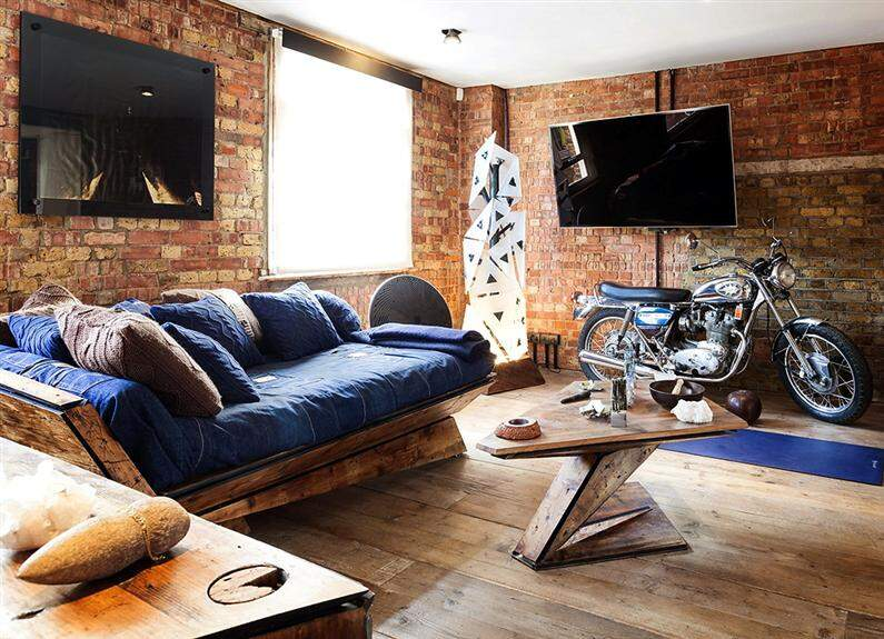 Wonderful apartment refurbished with unconventional interior design