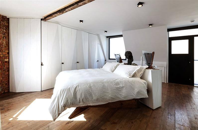 Wonderful apartment refurbished with unconventional interior design - www.homeworlddesign.com (4)