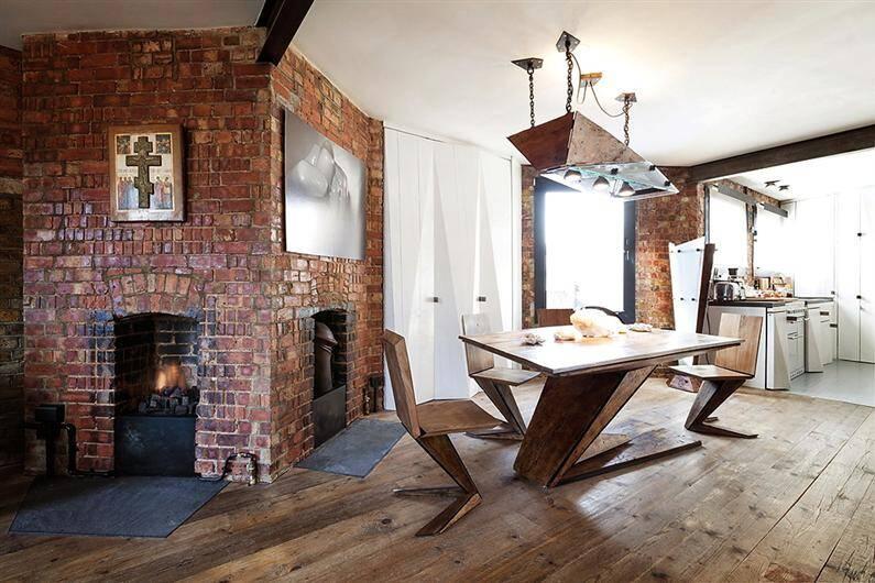 Wonderful apartment refurbished with unconventional interior design - www.homeworlddesign.com (7)