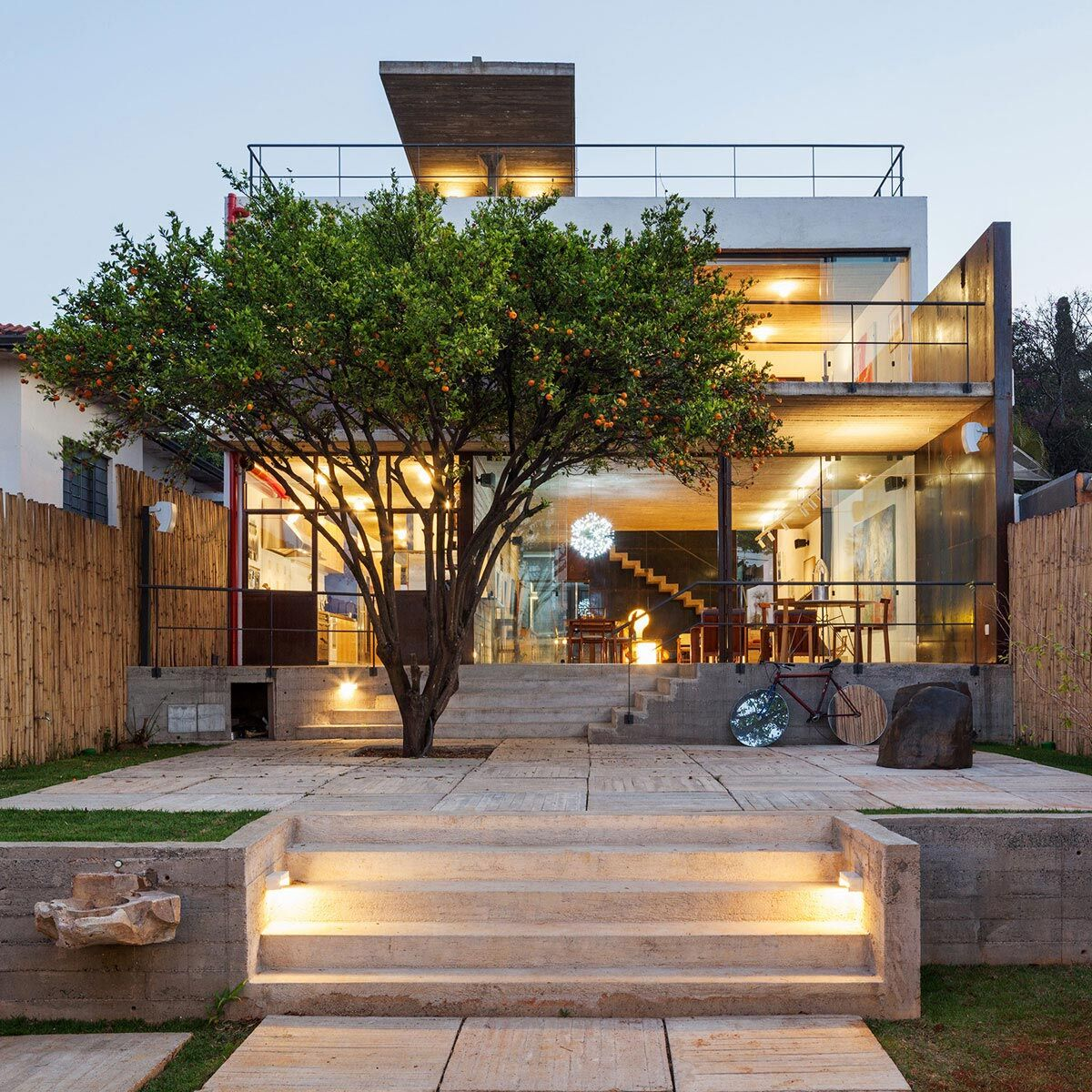 Pepiguari home architecture and interior design for freshness and positive emotion - The narrow house of sao paolo ...