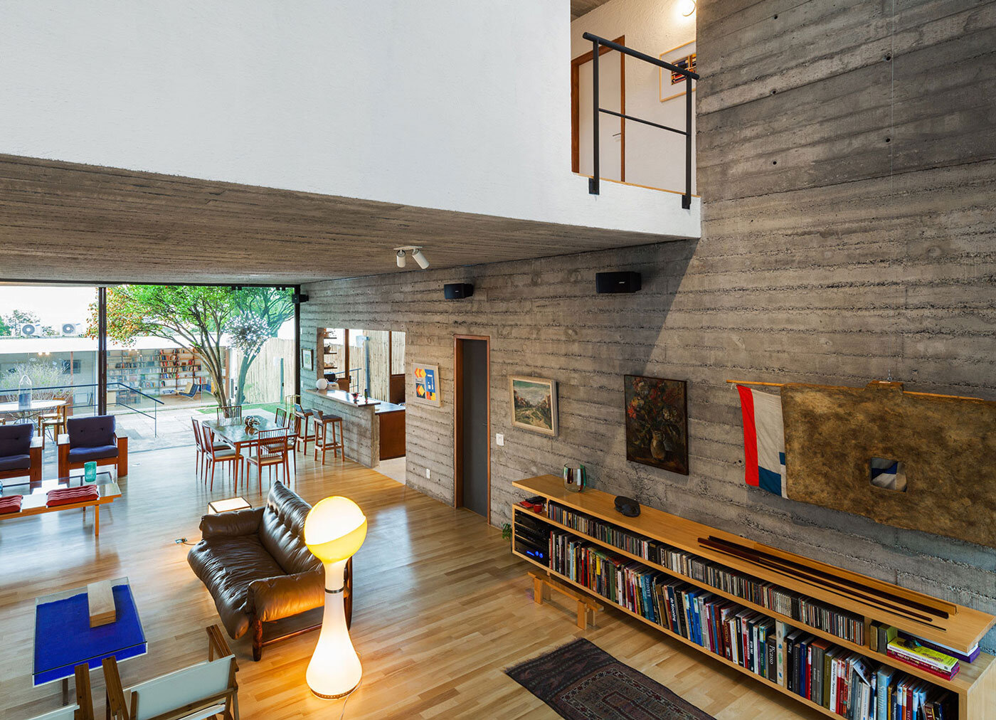Pepiguari home architecture and interior design for for Classic house zene