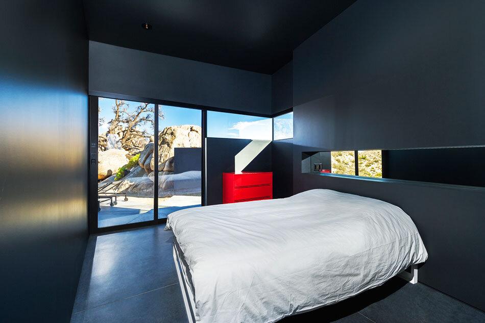 Black Desert House - Oller & Pejic and Marc Atlan Design Company - www.homeworlddesign (13)