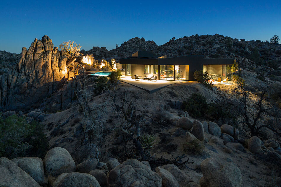 Black Desert House - Oller & Pejic and Marc Atlan Design Company - www.homeworlddesign (15)
