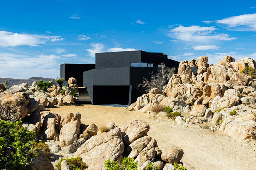 Black Desert House - Oller & Pejic and Marc Atlan Design Company - www.homeworlddesign (18)