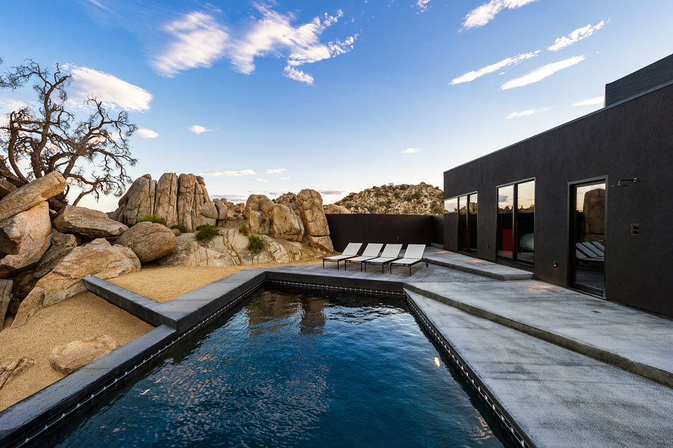 Black Desert House - Oller & Pejic and Marc Atlan Design Company - www.homeworlddesign (3)