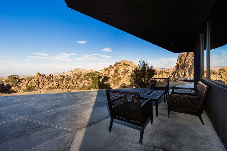 Black Desert House - Oller & Pejic and Marc Atlan Design Company - www.homeworlddesign (5)