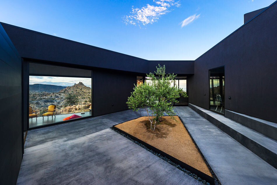 Black Desert House - Oller & Pejic and Marc Atlan Design Company - www.homeworlddesign (6)