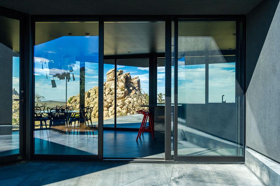 Black Desert House - Oller & Pejic and Marc Atlan Design Company - www.homeworlddesign (8)