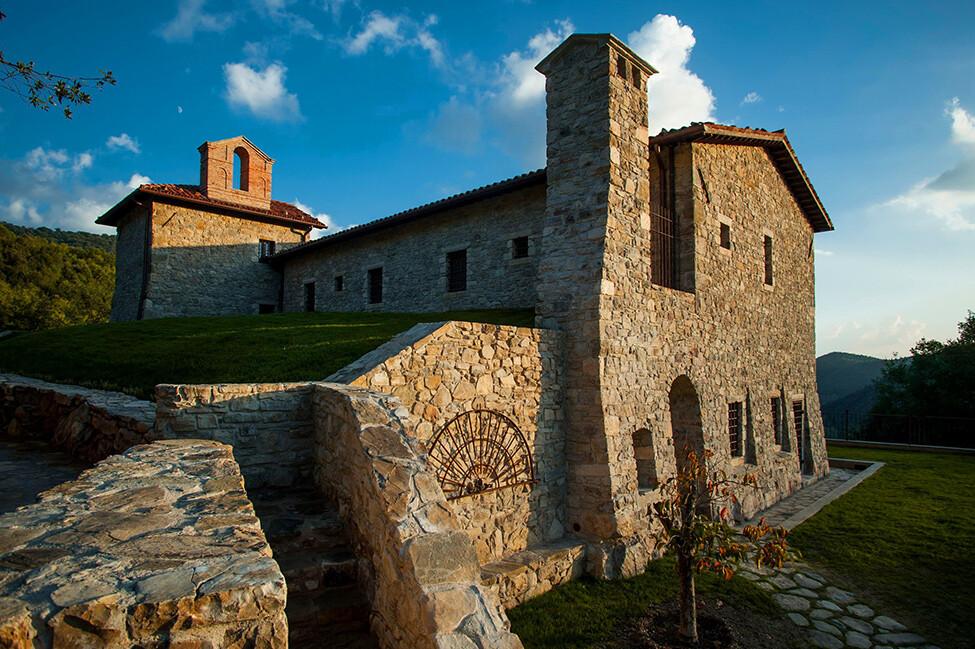 Digital Detox on the ruins of ancient monasteries Eremito Hotel - www.homeworlddesign. com (1)