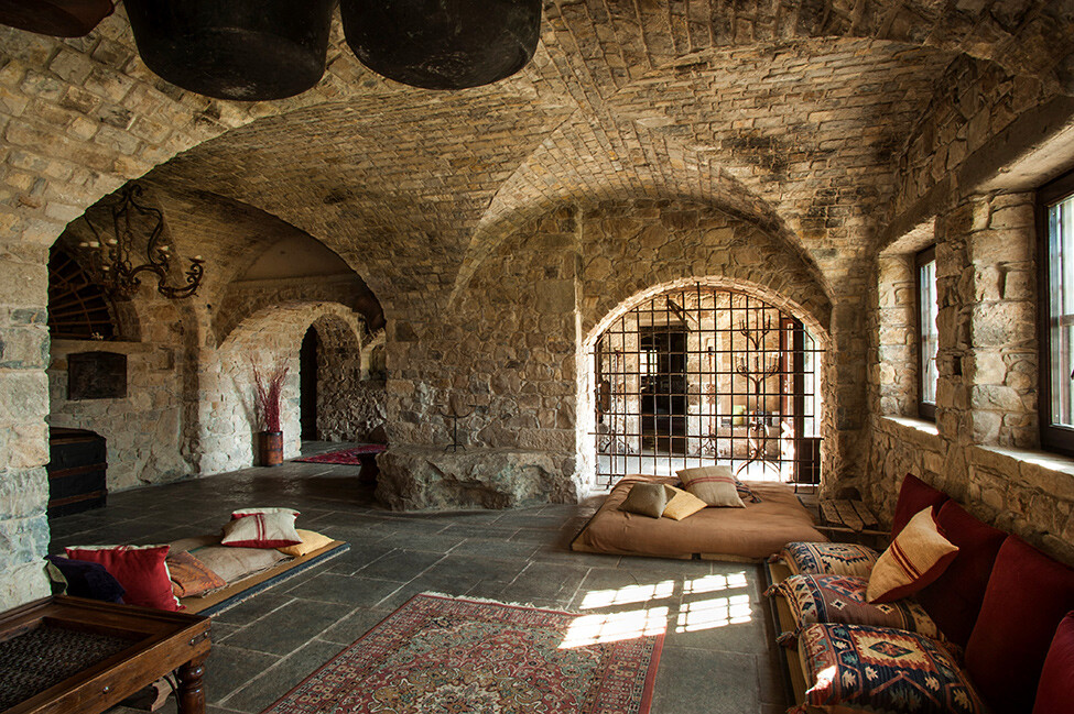 DigitalDetox on the ruins of ancient monasteries Eremito Hotel - www.homeworlddesign. com (2)