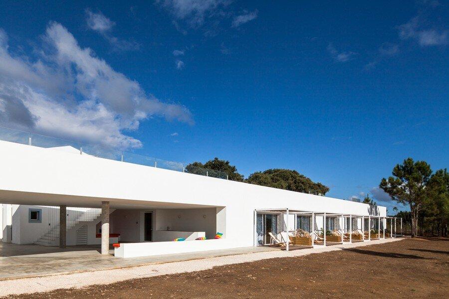 Monte Novo da Cruz by [i] DA Arquitectos - www.homeworlddesign. com (8)