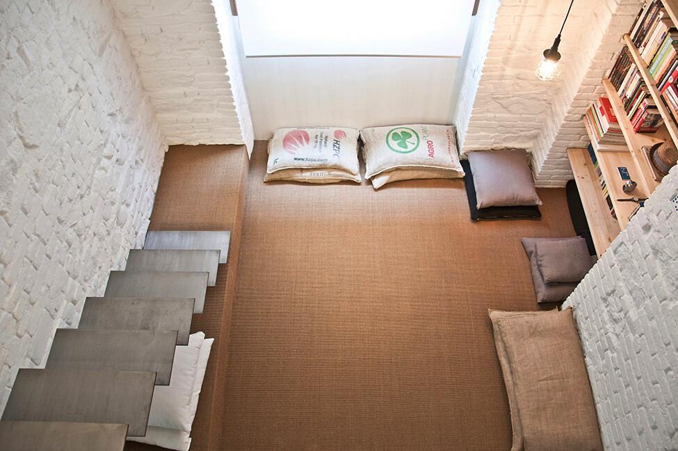 Small studio apartment design  R3Architetti   - www.homeworlddesign. com (11)