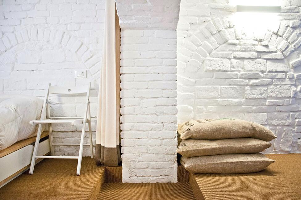 Small studio apartment design  R3Architetti   - www.homeworlddesign. com (13)