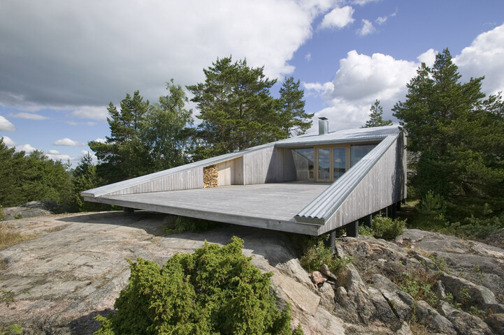 Villa Mecklin designed by Huttunen Lipasti Pakkanen Architects - www.homeworlddesign. com (18)