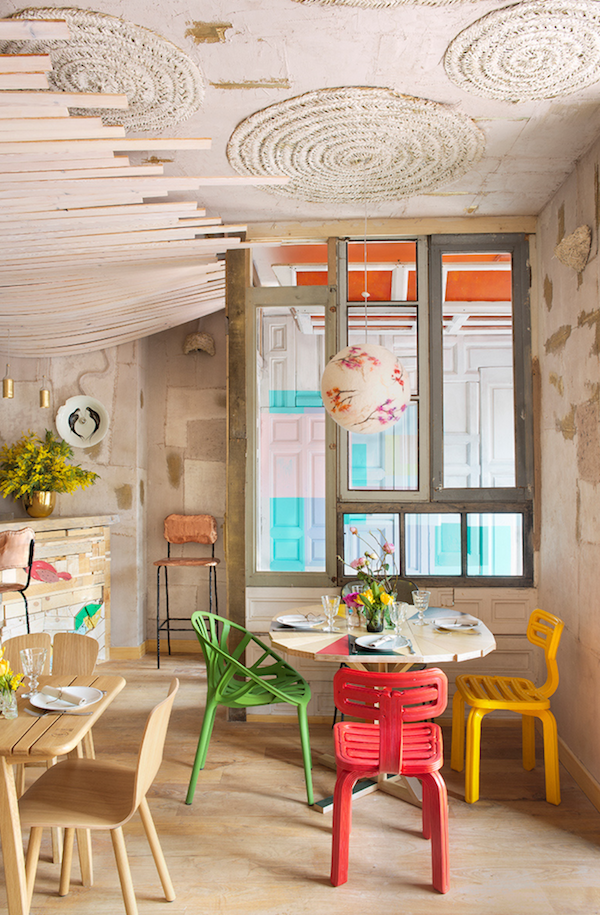 MamaCampo restaurant eclectic design with decors and pastel shades - www.homeworlddesign. com (1)