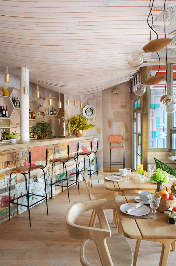 MamaCampo restaurant eclectic design with decors and pastel shades - www.homeworlddesign. com (3)
