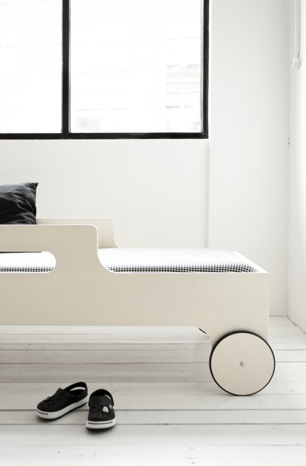 R toddler bed by Rafa Kids - modern, playful and functional toddler bed - www.homeworlddesign (12)