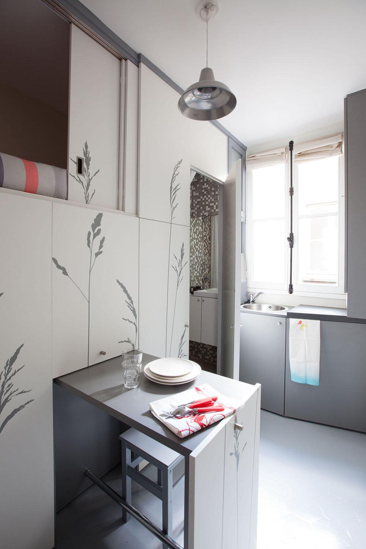 Tiny Apartment in Paris / KitoKo Studio Transform 8 Square ...