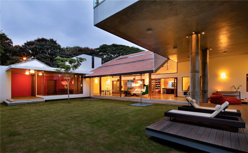 LibraryHouse contemporary architecture and nostalgic air - www.homeworlddesign. com (7)