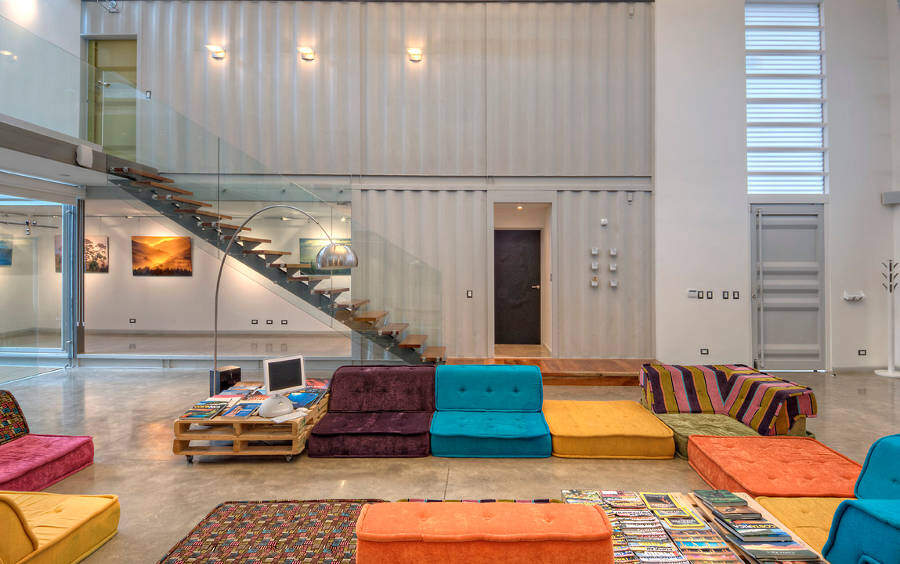 Shipping container house: Incubo by Maria Jose Trejos