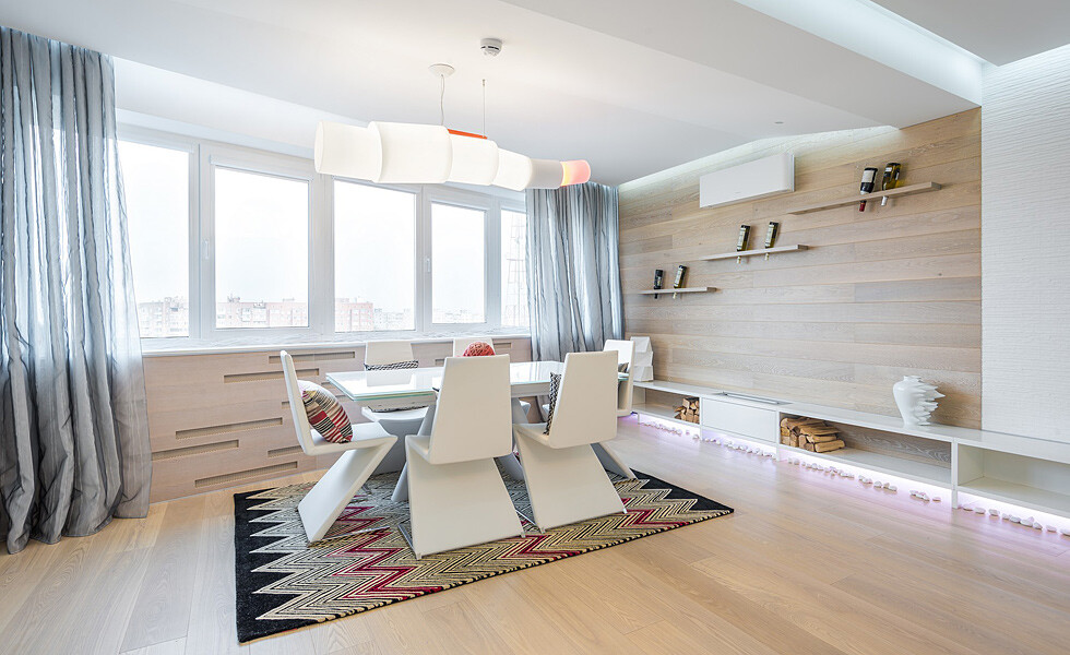 White, light and mirrors can transform and expand space -  apartment in Rostov on Don - HomeWorldDesign (1)