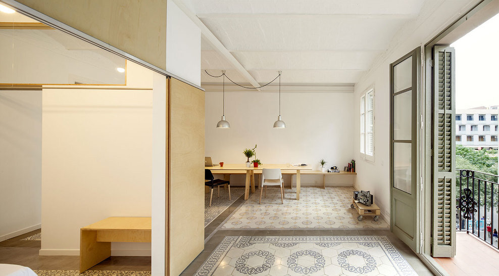 Apartment Eixample renovated by the Spanish architect Adrian Elizalde - HomeWorldDesign (2)