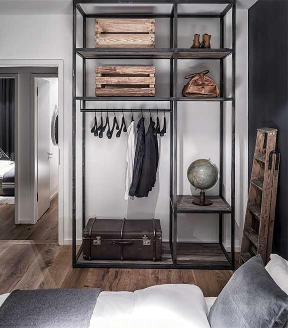 Industrial Bedroom Decor: Edgy Luxury Apartment Equipped With Statement Furniture
